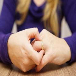 Can a Wife Seek Divorce if her Husband is a Transgressor